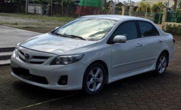 White Toyota Corolla Altis 2011 for sale in Manila