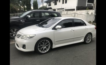 Selling White Toyota Corolla Altis 2012 in Muntinlupa