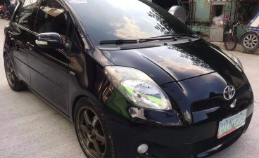 Selling Black Toyota Yaris 2012 in Manila