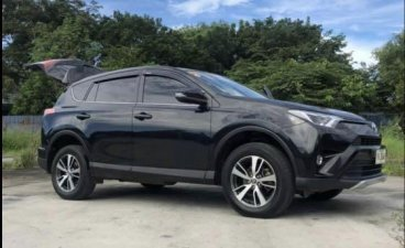 Selling Black Toyota Rav4 2016 in Manila