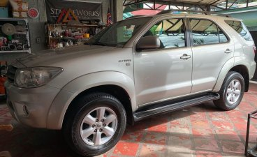 Pearlwhite Toyota Fortuner 2007 for sale in Las Pinas