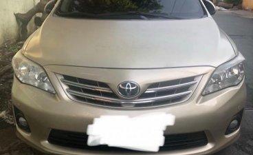 Selling Silver Toyota Corolla Altis 2013 in Manila