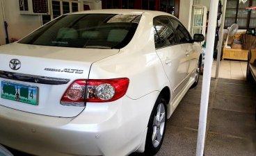 Selling Pearlwhite Toyota Corolla Altis 2012 in Muntinlupa