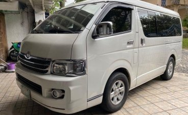 White Toyota Hiace Super Grandia 2007 for sale in Quezon