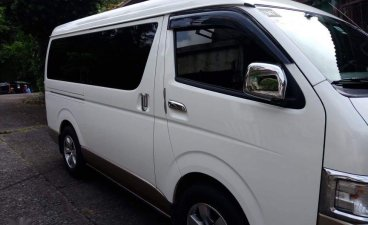 Selling White Toyota Grandia 2016 in Cainta