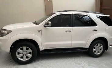 White Toyota Fortuner 2010 for sale in Manila