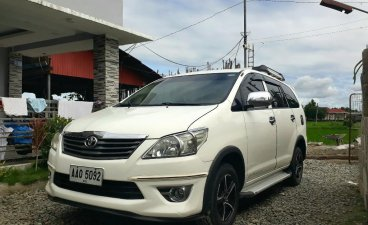 Selling White Toyota Innova 2014 in Gapan