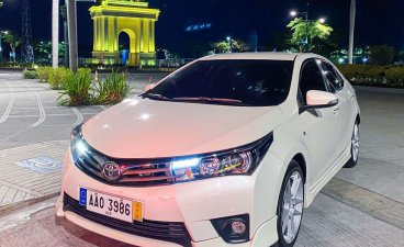 Pearlwhite Toyota Corolla Altis 2014 for sale in Pasig
