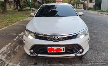 White Toyota Camry 2017 for sale in Manila