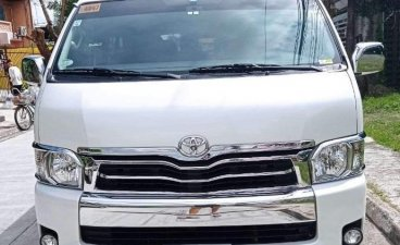 Selling White Toyota Hiace Super Grandia 2017 in Parañaque