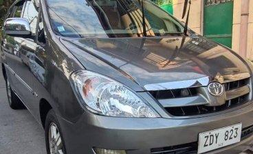 Selling Silver Toyota Innova 2006 in Valenzuela