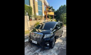 Selling Black Toyota Alphard 2016 in Makati