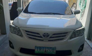 Selling White Toyota Corolla Altis 2011 in Parañaque