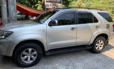 Selling Brightsilver Toyota Fortuner 2007 in Quezon