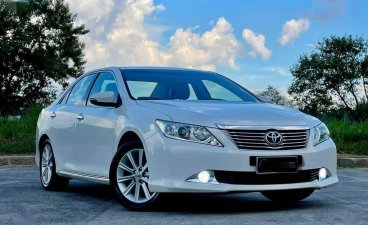 Pearl White Toyota Camry 2013