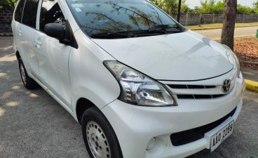 White Toyota Avanza 2014