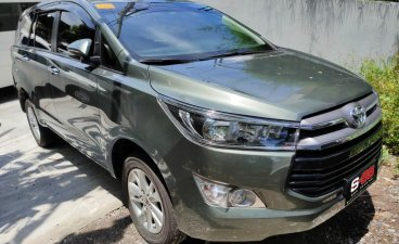 Selling Silver Toyota Innova 2020 in Quezon