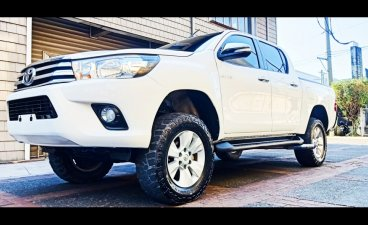 White Toyota Hilux 2017 for sale in Cainta