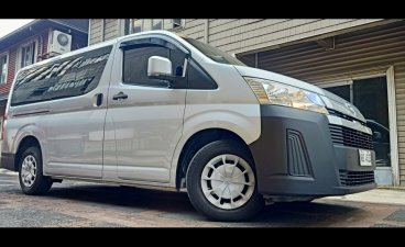 Selling Silver Toyota Hiace 2019 in Cainta