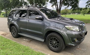 Selling Toyota Fortuner 2013