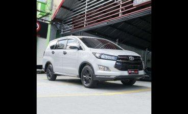 White Toyota Innova 2018 for sale in Quezon
