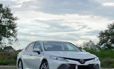 Selling White Toyota Camry 2019 in Quezon