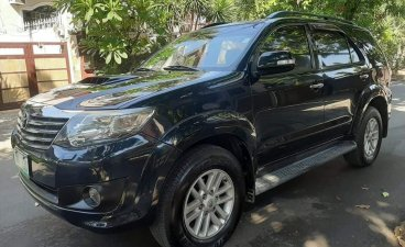 Selling Black Toyota Fortuner 2013 in Quezon