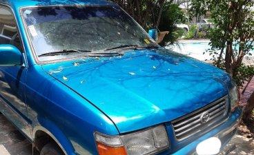2000 Toyota Revo