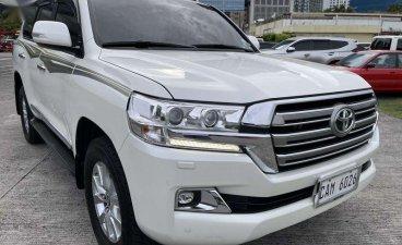 Selling Toyota Land Cruiser 2018