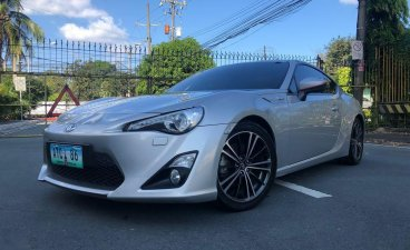 Selling Toyota 86 2013