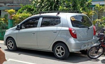 Selling Toyota Wigo 2015