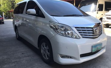 Selling White Toyota Alphard 2011