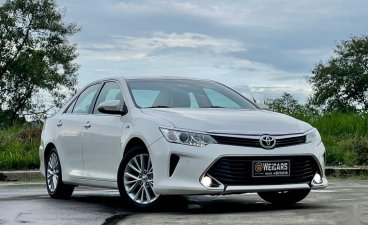 Pearl White Toyota Camry 2017 for sale in Makati