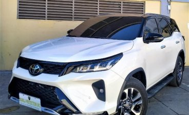 Selling White Toyota Fortuner 2021 in Manila