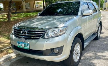 Selling White Toyota Fortuner 2012