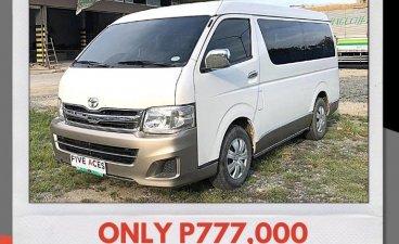 Selling White Toyota Hiace 2013