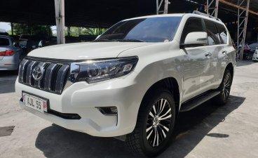 Selling White Toyota Prado 2010