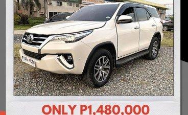 White Toyota Fortuner 2019