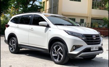 Selling White Toyota Rush 2020 in Makati