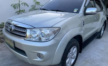 Selling Toyota Fortuner 2011