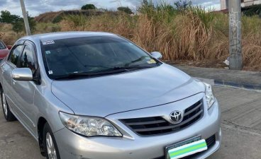 Selling Silver Toyota Corolla Altis 2011 in Taytay