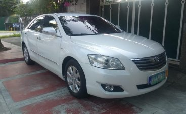 White Toyota Camry 2006 for sale in Quezon City