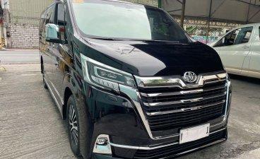 Selling Black Toyota Hiace 2020 in Makati