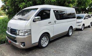 Selling Pearl White Toyota Grandia 2017 in Quezon