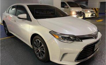 Selling White Toyota Avalon 2016 in Quezon