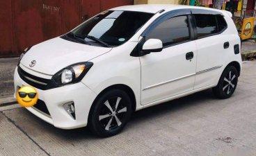 Selling White Toyota Wigo 2017 in Malabon