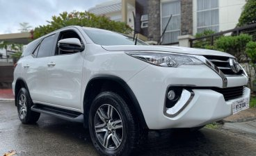 Selling White Toyota Fortuner 2020 in Quezon
