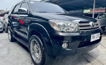 Selling Black Toyota Fortuner 2011 in Las Piñas