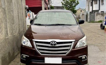 Selling Brown Toyota Innova 2014 in Malolos
