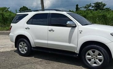 White Toyota Fortuner 2011 for sale in Antipolo